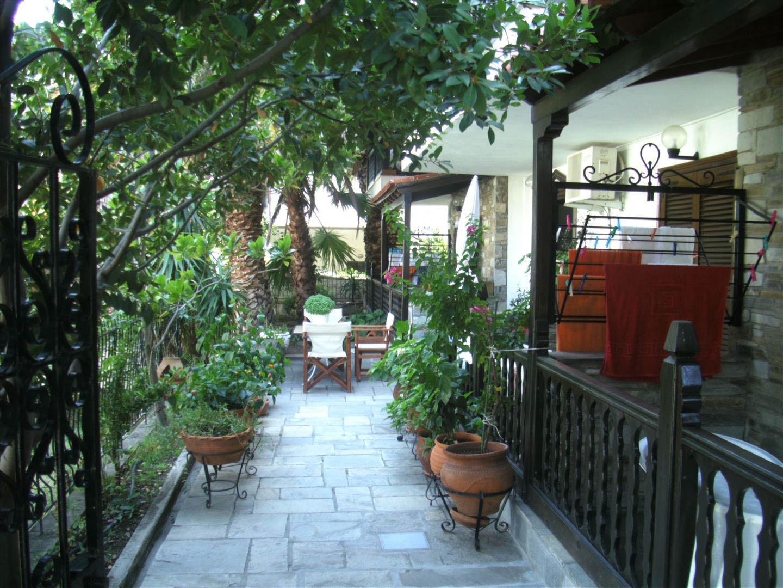 Papatzikos House Neos Marmaras garden